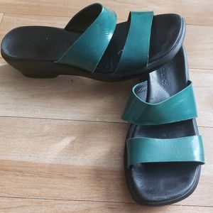 Clarks Green Sandals Leather Size 8 Women's